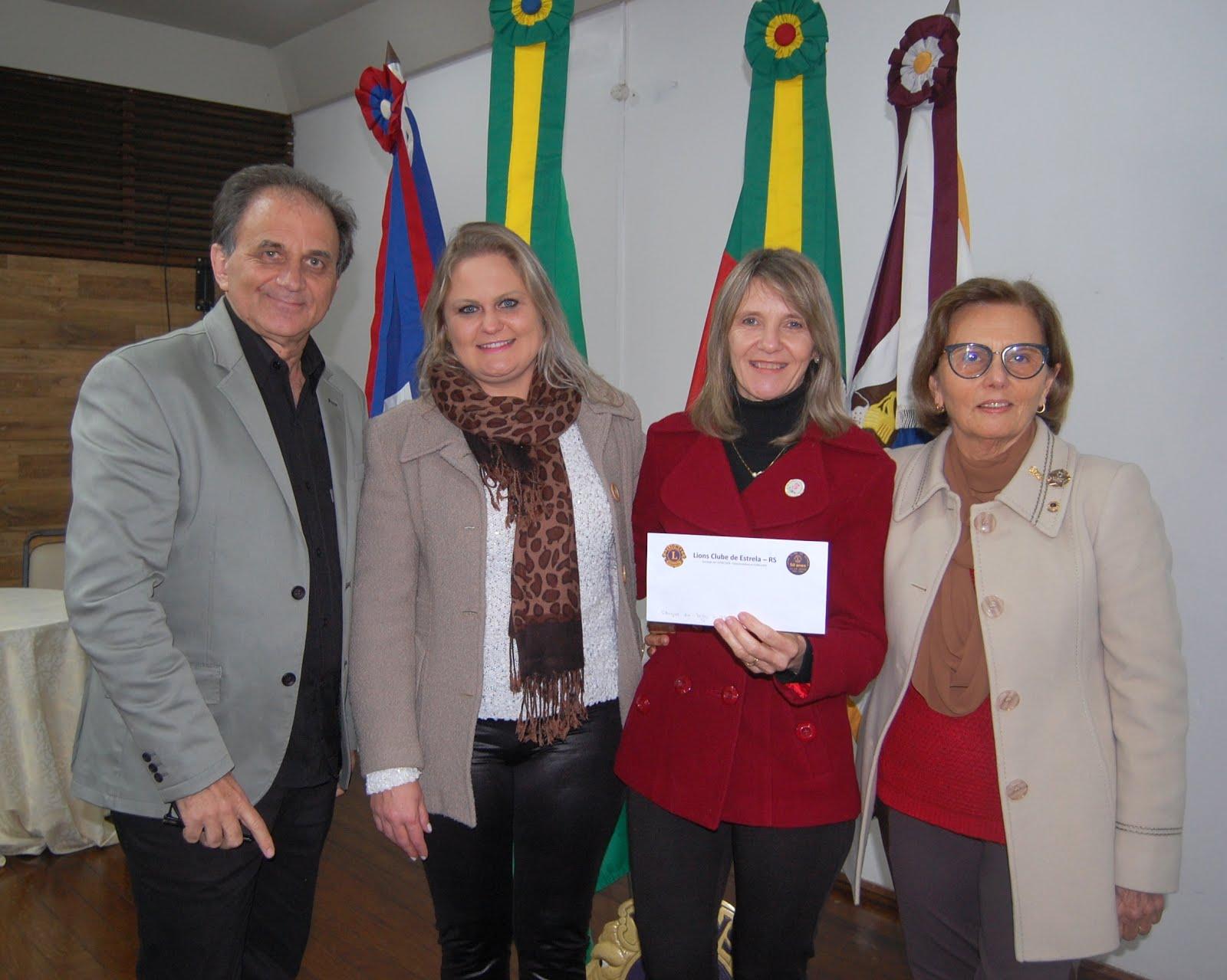 Airton Engster dos Santos na reunião do Lions Clube de Estrela