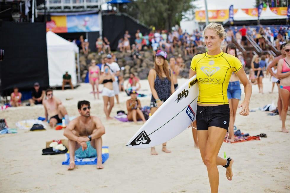 5 Roxy Pro Gold Coast 2015 Stephanie Gilmore Foto WSL Kelly Cestari