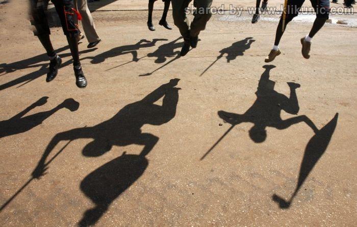 http://4.bp.blogspot.com/-6Nc5S9p2IYU/TX3nrx3R3XI/AAAAAAAARew/-mAdrXr7BoQ/s1600/shadow_02.jpg