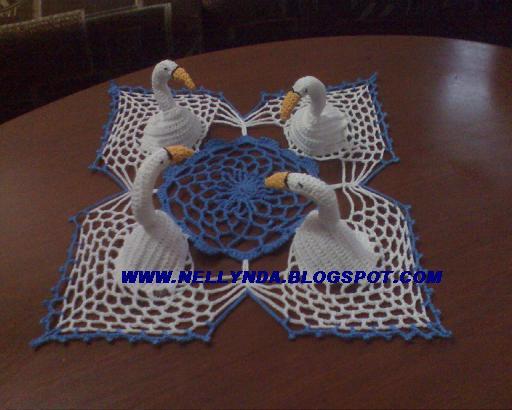 TRICO y CROCHET-madona-mía: Centro de mesa/cisnes