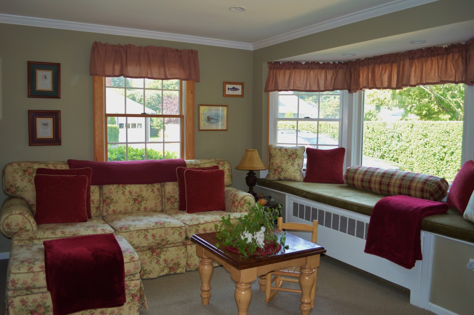 Cottage style family room exquisitely unremarkable for Cottage style family room