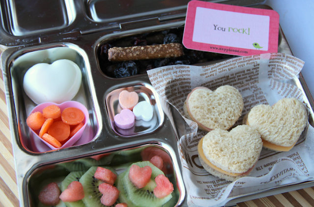 Heart shaped food ideas for valentine's day lunch box.