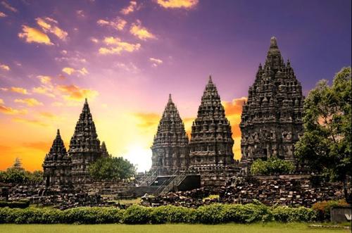 Prambanan, vé máy bay đi Yogyakarta giá rẻ