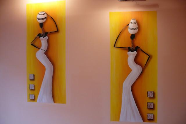 Aranżacja ściany w salonie w afrykańskim stylu, Lublin
