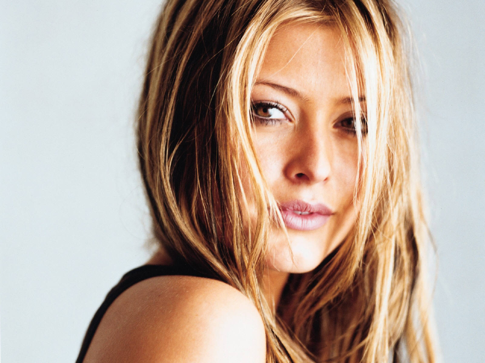 Holly Valance Sey Pictures