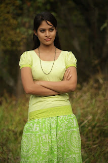 Sanyathara in Pani Vizhum Malar Vanam New Movie Stills 002.jpg