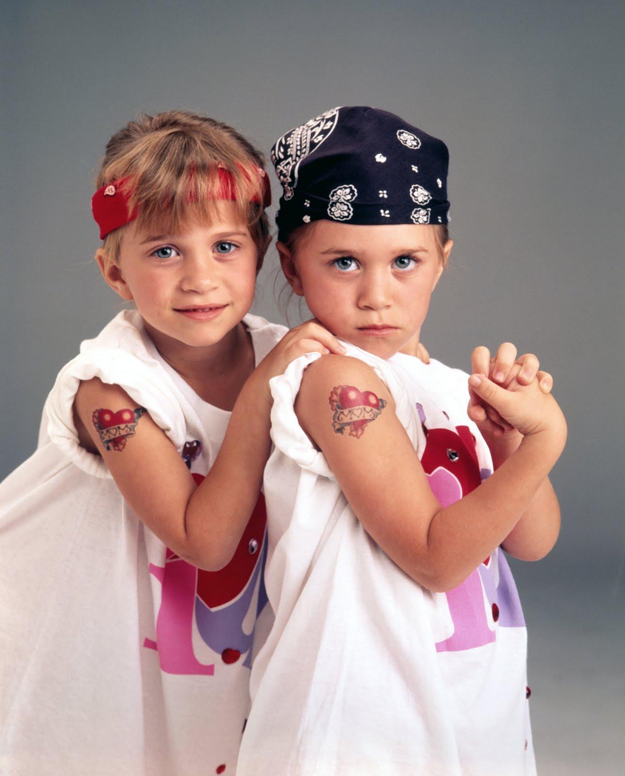 http://4.bp.blogspot.com/-6PGh2HLz4oU/T9s3g3FgzRI/AAAAAAAATvM/_WeNvsO0Pnk/s1600/Olsen-Twins-stars-childhood-pictures-3287751-2053-2550.jpg