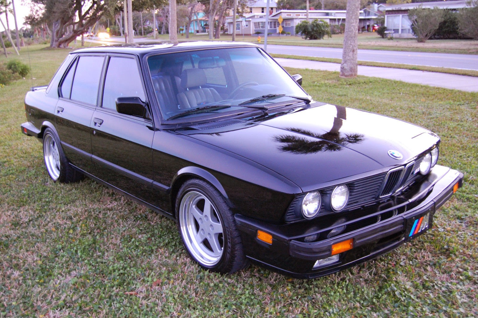 daily turismo 15k dinan upgraded 1988 bmw m5 e28. Black Bedroom Furniture Sets. Home Design Ideas