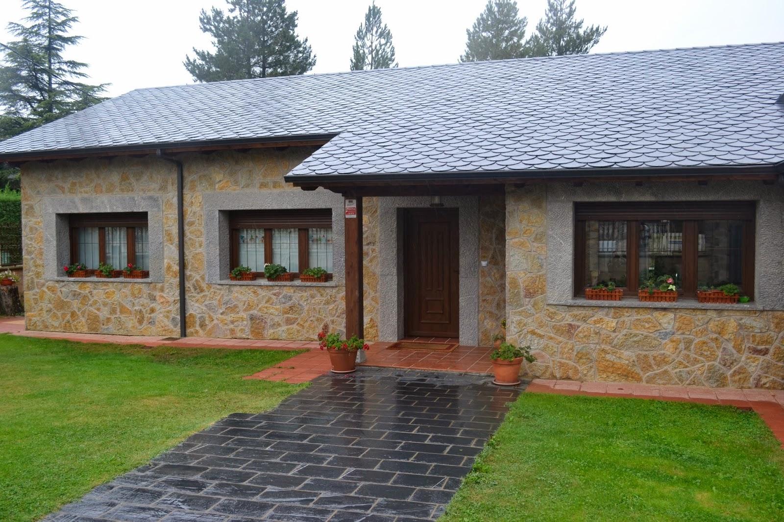 Piedra fachada exterior casa exterior de piedra panel de for Fachada piedra natural
