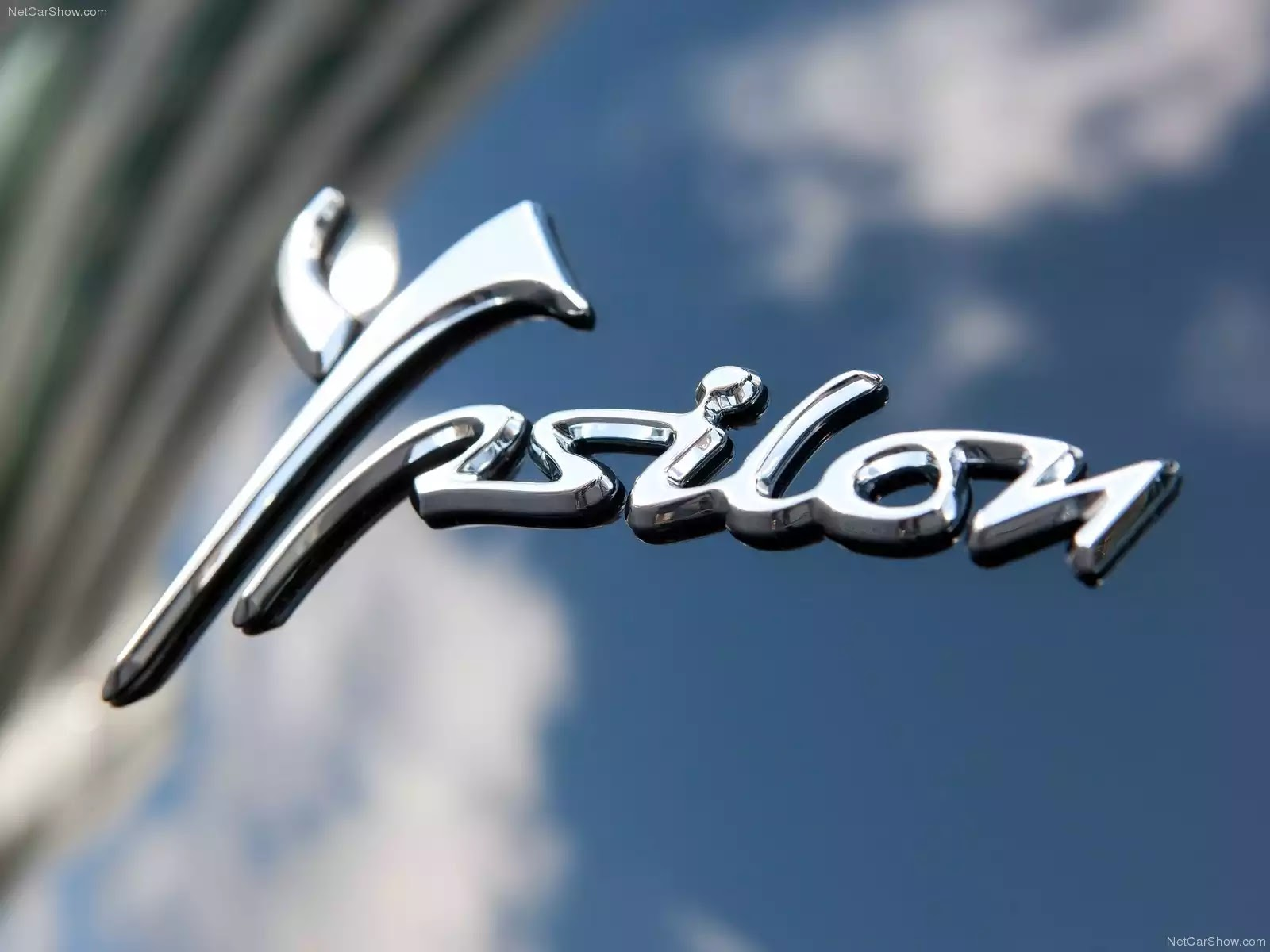 Hình ảnh xe ô tô Chrysler Ypsilon 2012 & nội ngoại thất