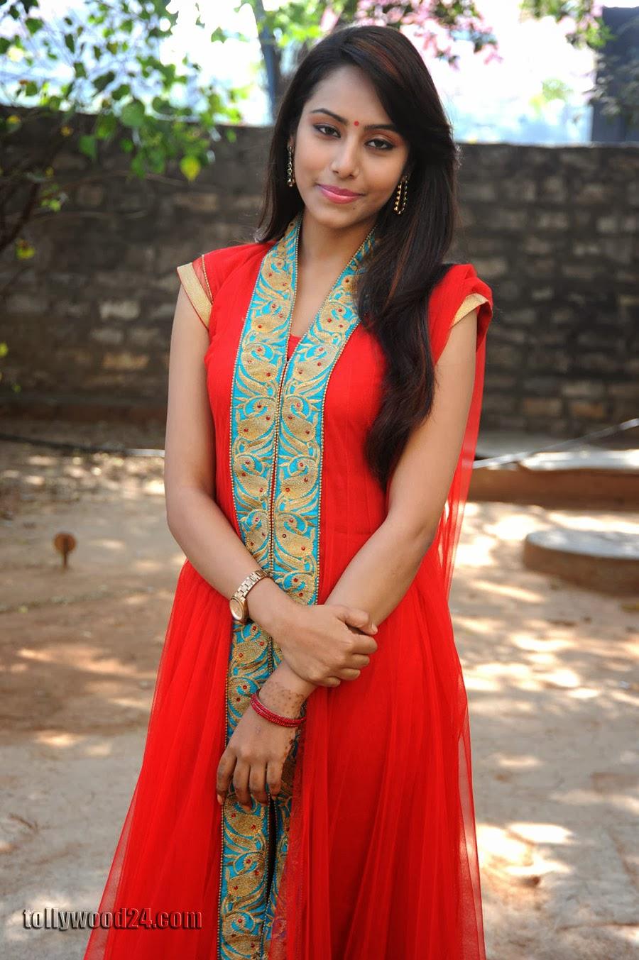 Beautiful Khenisha Chandran Photos Gallery-HQ-Photo-14
