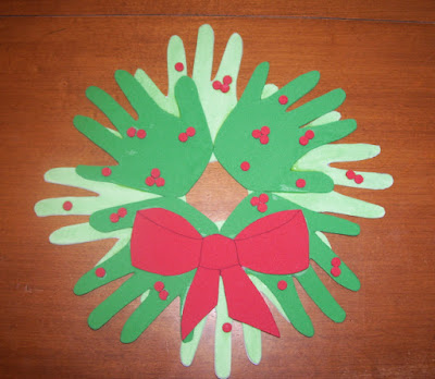 Handprint wreath 1