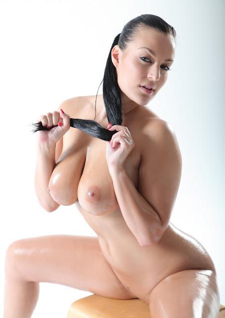 PornoStar Carmen Croft
