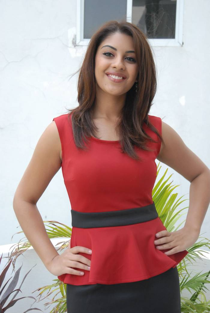 Richa Gangopadhyay Smiley Photoshoot