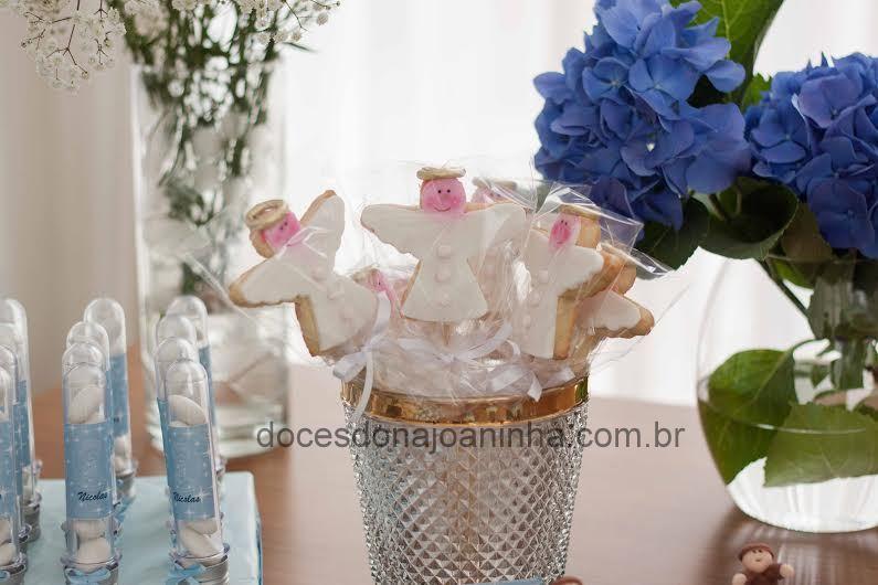 Biscoito no palito em formato de Anjinho para Festa de Batizado