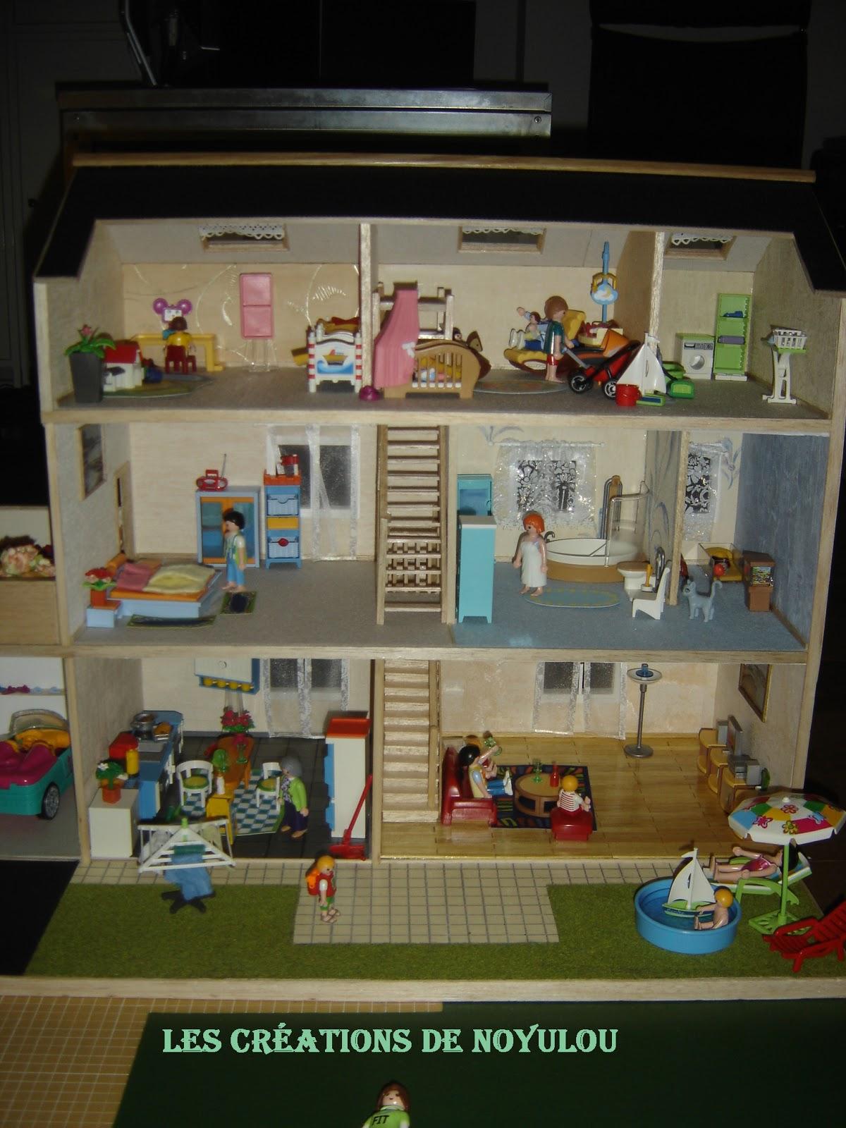 Les creations de noyulou ses playmobils ont enfin leur maison no l - Toute les maison playmobil ...