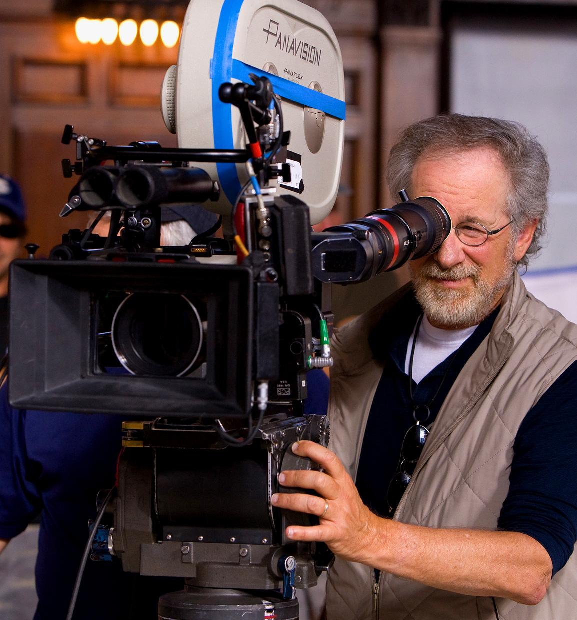 http://4.bp.blogspot.com/-6Qoa4Ql1las/TmhrKiYSYlI/AAAAAAAAB14/BRj1aueT6lU/s1600/Steven-Spielberg-Camera.jpg