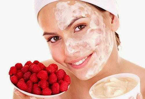 đắp mặt nạ, mặt nạ dâu tây, mặt nạ tự nhiên, mặt nạ trái cây, mặt nạ hoa quả, mặt nạ da mặt, chăm sóc da, dâu tây