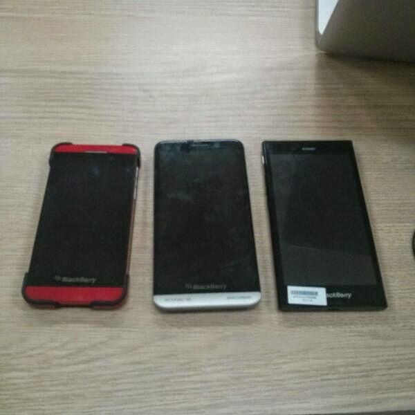 El BlackBerry Z3, ha sido puesto en libertad, sin embargo, no para otros hasta dentro de un par de semanas. Sin embargo, el día de hoy se filtro una imagen que muestra el BlackBerry Z3 al lado de sus hermanos mayores, Z30 y Z10. Como se puede ver arriba, la imagen realmente no es mucho lo que muestra, o no muestra nada diferente a lo que ya sabemos. Lo que podemos apostar es que vamos a ver más imágenes de este dispositivo más temprano que tarde. Creo que el dispositivo tendrá su sensación de calidad, y se le ve muy
