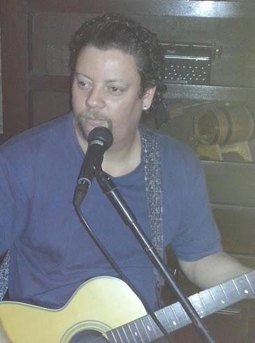 Kico Ferreira (Todas as terças e  aos sabados )