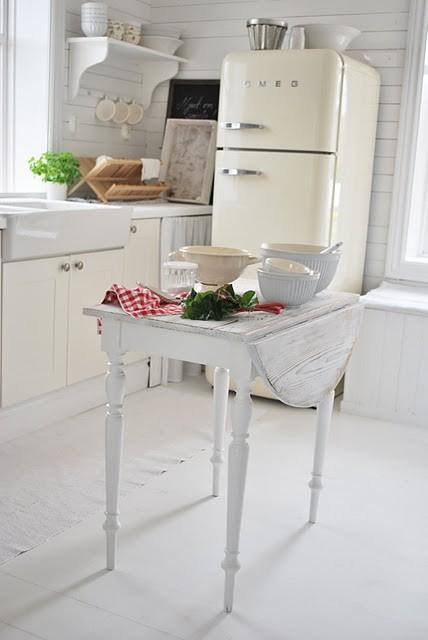 Cucina Bianca Frigo Smeg