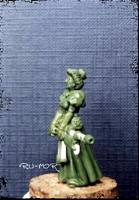 miniatura del personaje de la matriarca, hecha por ªRU-MOR, para el grupo de la Familia Calamidad. Escala Warhammer 40000