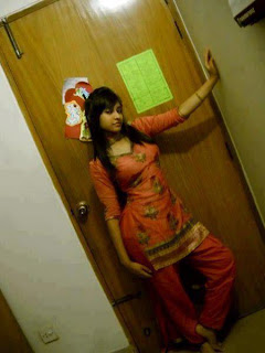Hot-Indian-Pakistani-Punjabi-Arab-American-Facebook-College-School-Sexy-Girls-Pictures5