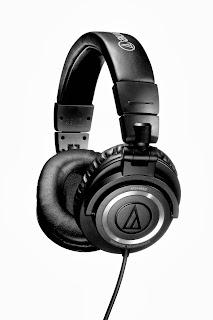 bentuk headphone kabel single jadi tidak ribet