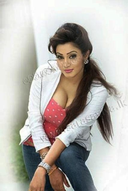 sri lankan hot tv presenter