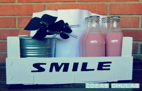 Caja decorada palabra Smile