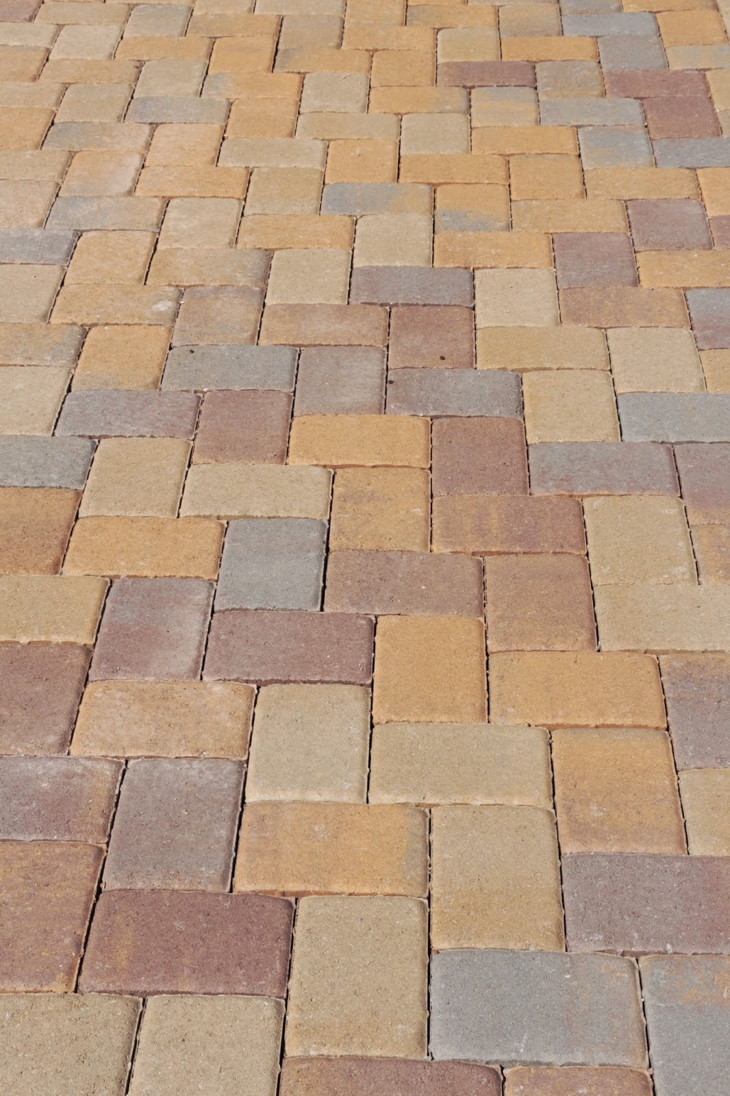 belgard pavers in toscana mohave mix, herringbone paver pattern