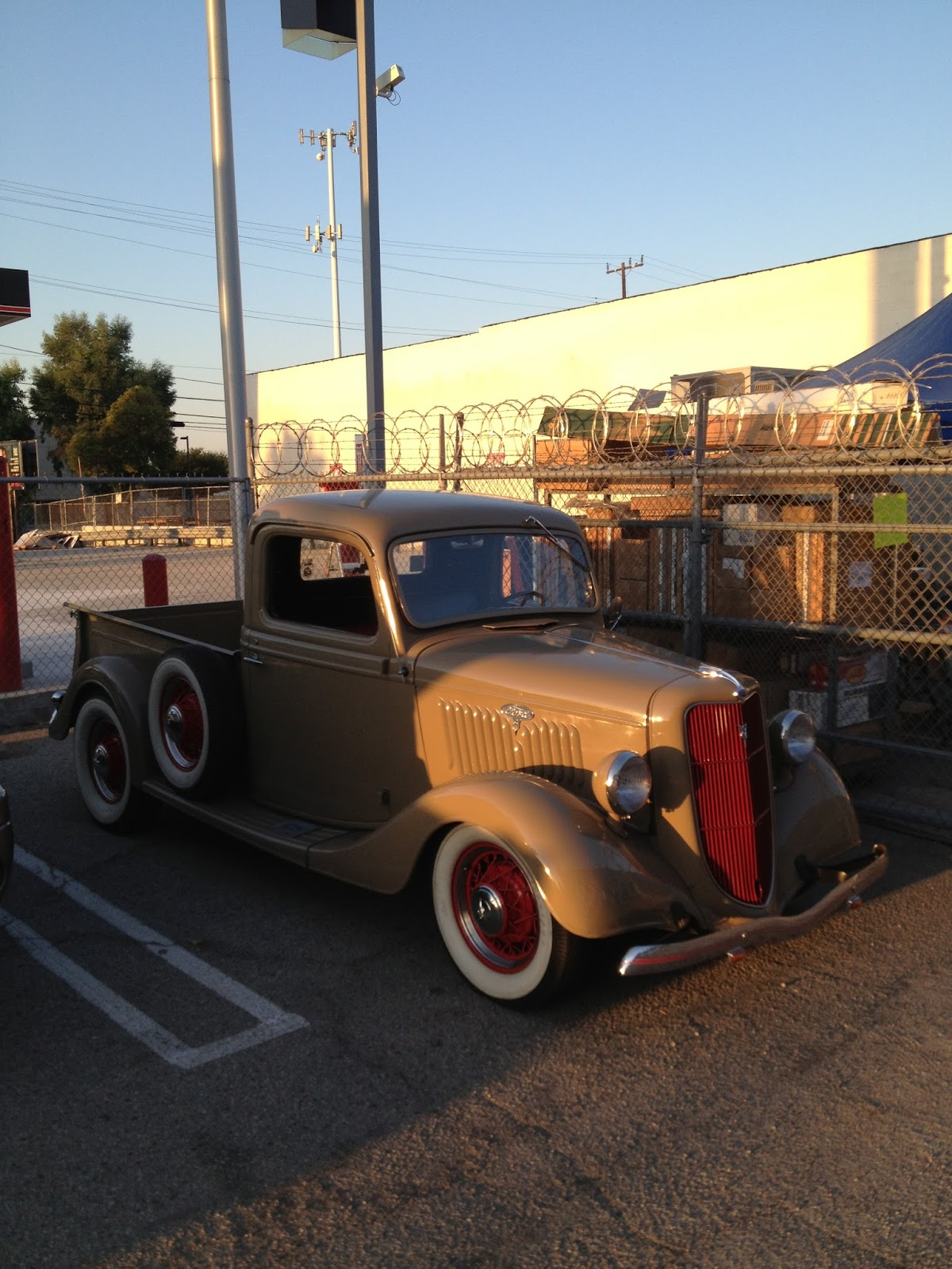 Covering Classic Cars : 5th Annual Parking Lot Sale & Parts Exchange ...
