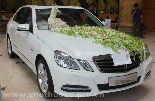 Thuê xe cưới Mercedes C250 màu trắng