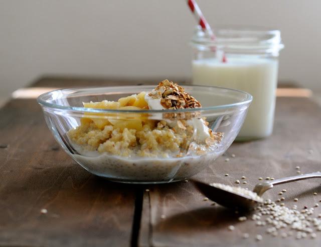 quinoagrød med hjemmelavet æblemos