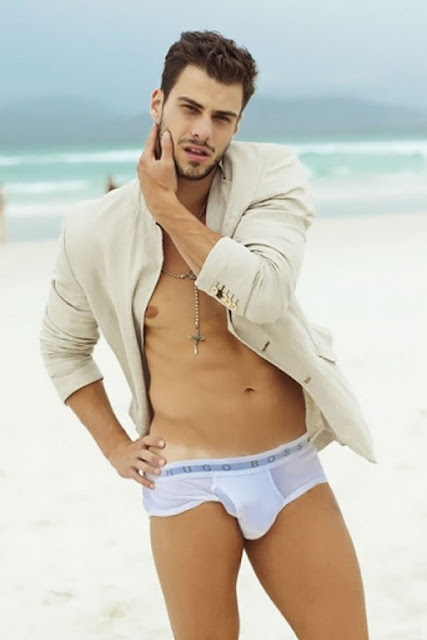 ... Male Model Lucas Malvacini for Revista Junior N°35 Male Underwear