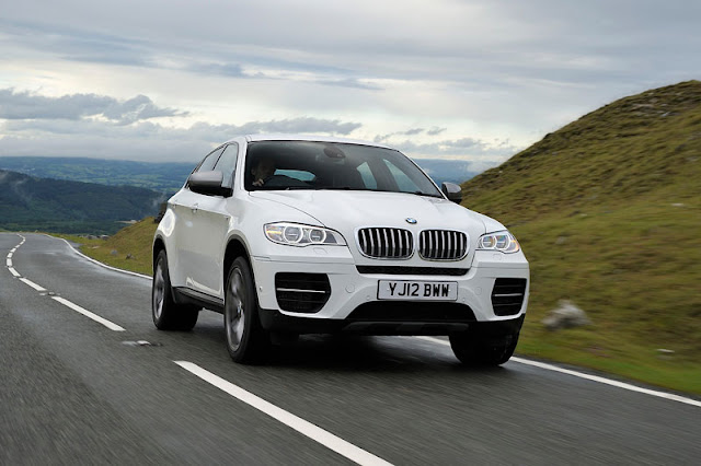 2012 BMW X6 M50d Wallpaper