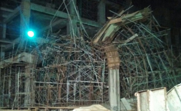 Detik Cemas Struktur Melawati Mall Runtuh