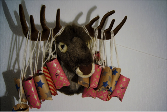 http://www.mamaliefde.nl/blog/diy-adventkalender-met-freebie/