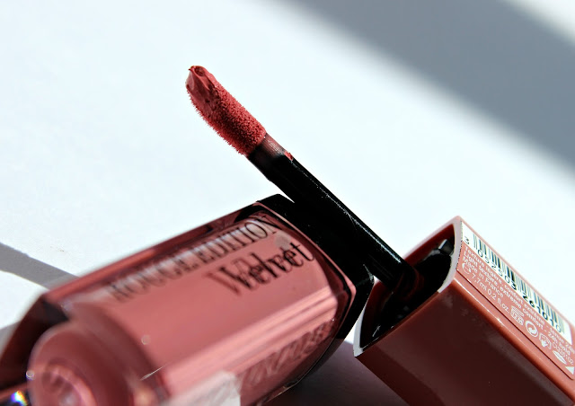 A picture of the Bourjois Rouge Edition Velvet Don't Pink Of It!