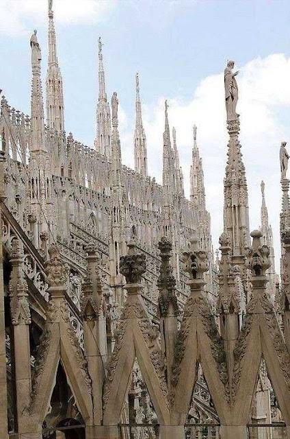 Catedral de Milão: 10.000 agulhas góticas