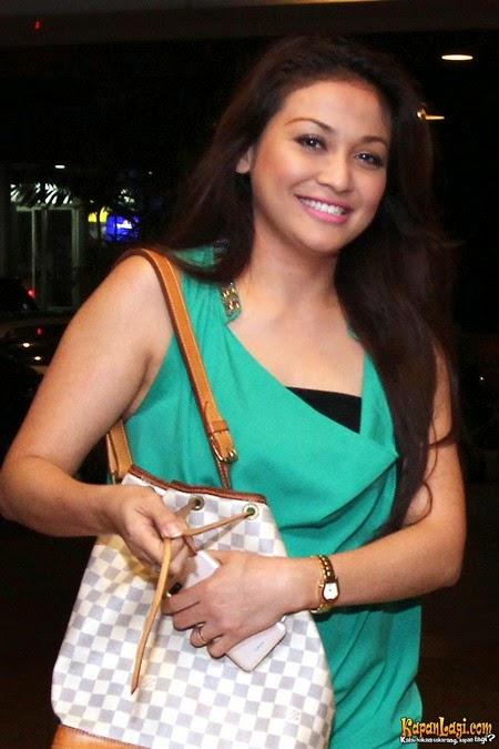 Biodata Lengkap Virnie Ismail dan Foto