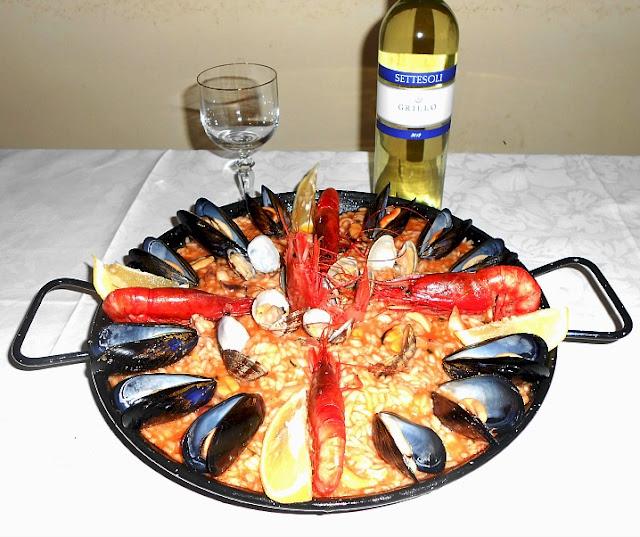 paella de marisco (paella ai frutti di mare)