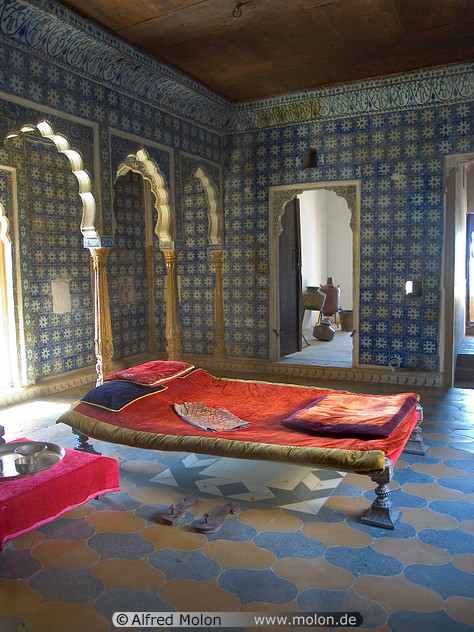 Minimalist modern bedroom interior design - home design collection ...