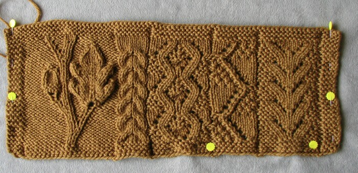 Acorn Leaf Knitting Pattern : Stitches of Violet: Herbstlied - Swatching the Acorn Sweater