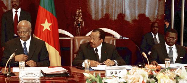 Paul Biya News: Le Président Paul Biya et le conseil des ministres