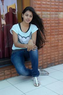 Monal-Gajjar-Cute-Photostills-CF-013.jpg