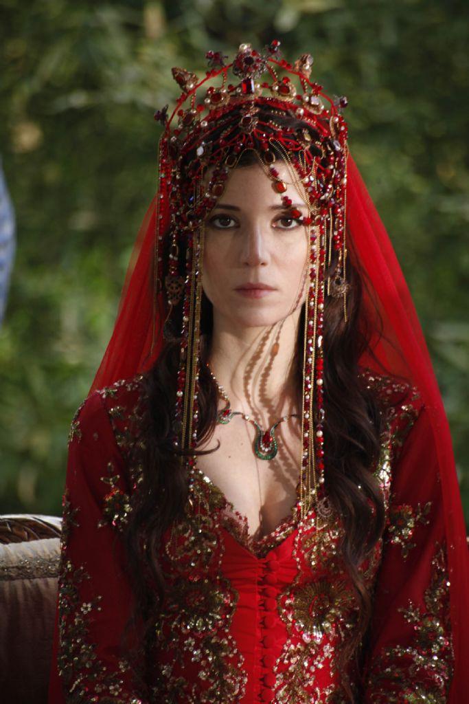 Muhteşem Yüzyıl Hatice Sultan Kıyafetleri