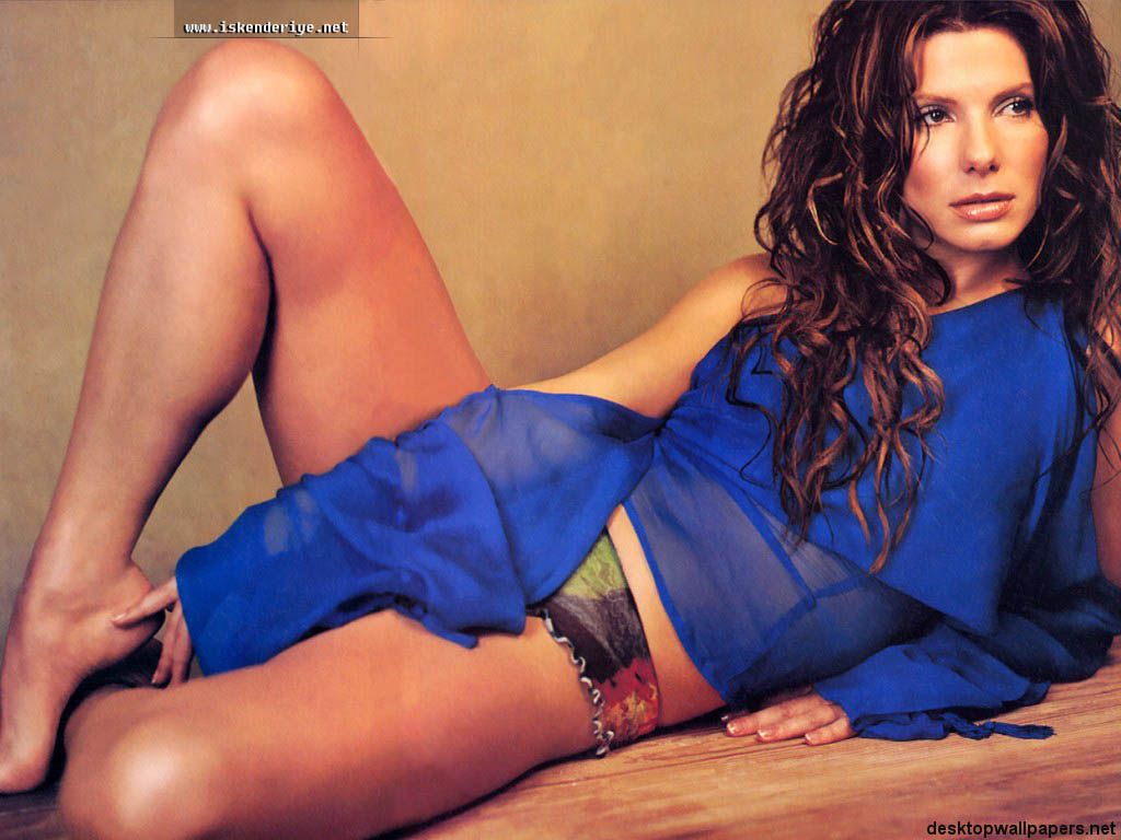 Sandra Bullock hot pose