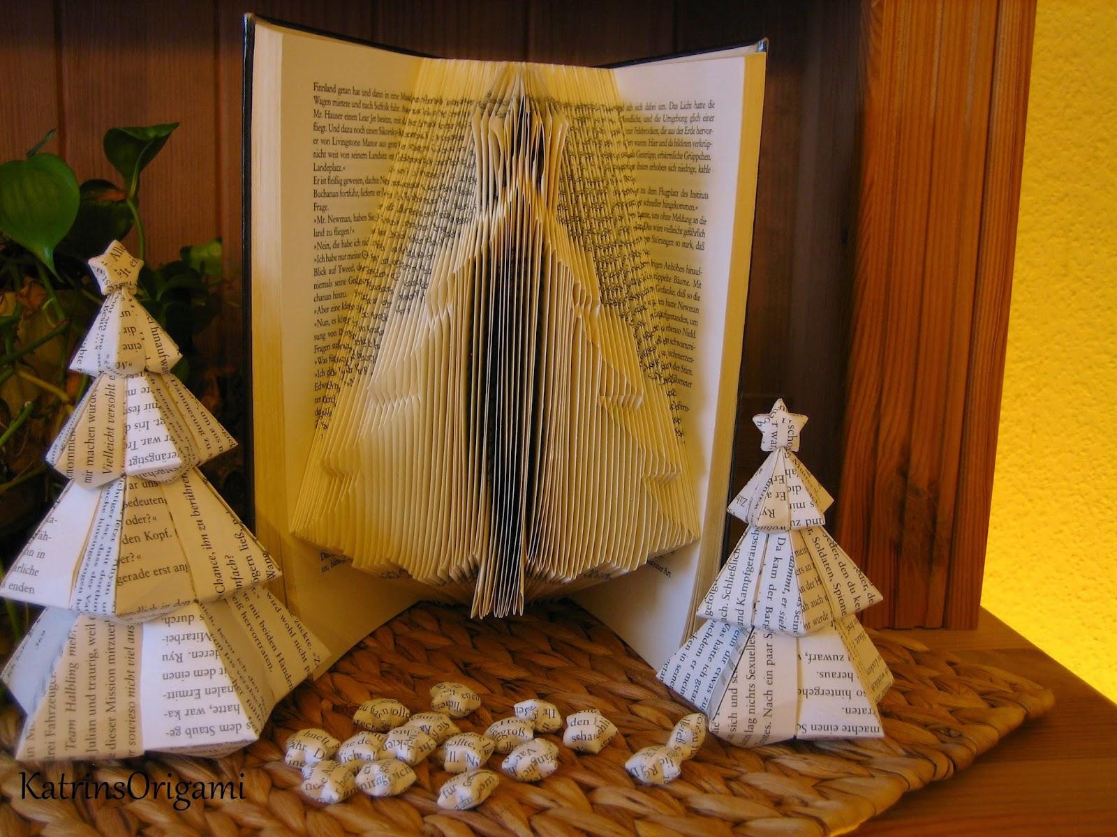 origami die kunst des papierfaltens book art christmas tree. Black Bedroom Furniture Sets. Home Design Ideas