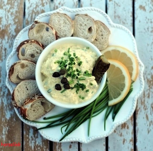 Eiersalat,  ein Rezept mit Curry, Schnittlauch und Frischkäse